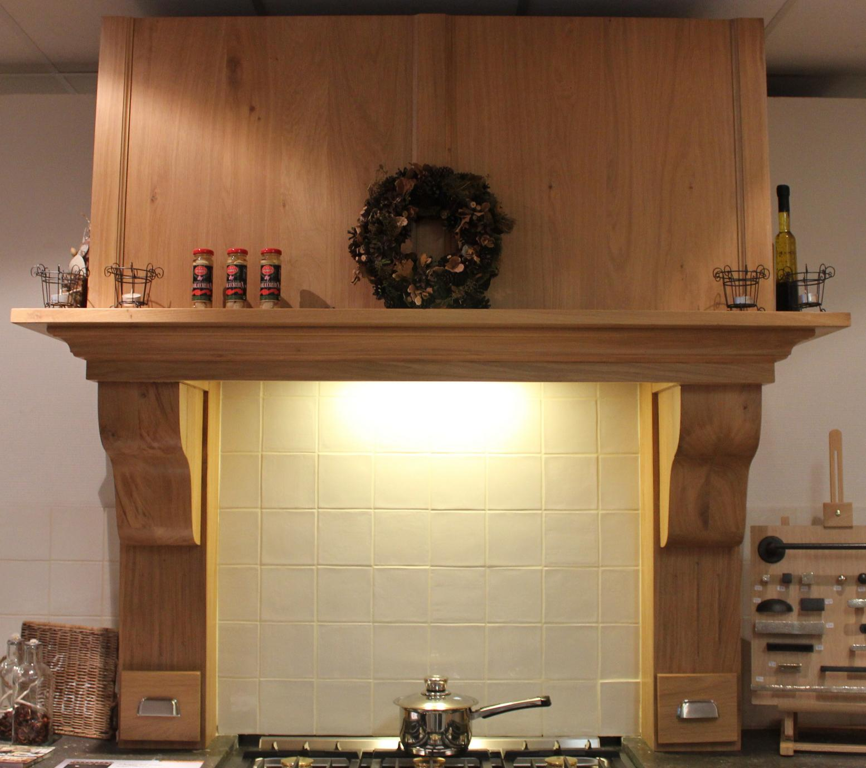 Houten schouwen voor uw landelijke keuken   Landelijke en moderne houten keukens op maat