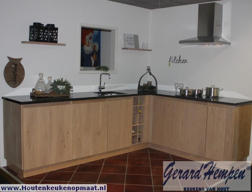 Keukens Opruiming : Opruiming showroom keuken landelijke houten ...