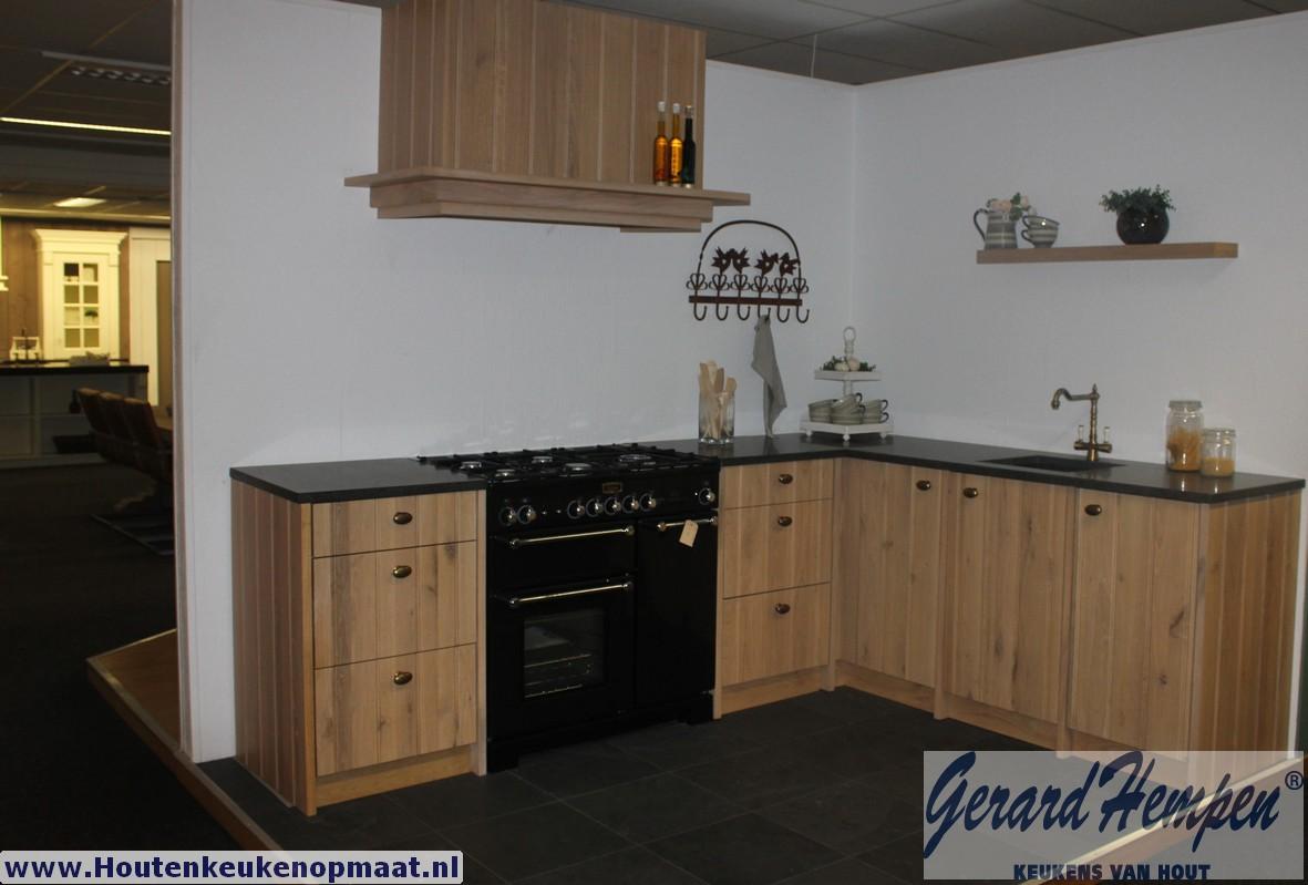 Keukens Opruiming : Opruiming showroom keuken landelijke houten
